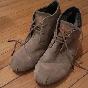 Tom's Wedge heels sz. W7